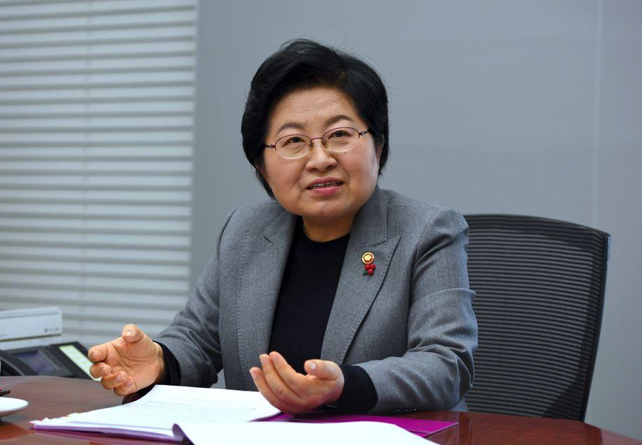 Prangert gesellschaftliche Probleme an: Südkoreas ehemalige Familienministerin Chung Hyun-back