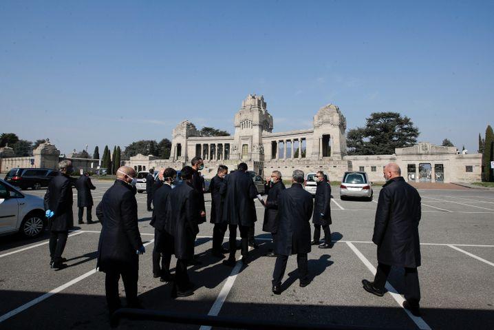Beerdigung eines Corona-Opfers in Bergamo: Die Todesfälle haben sich innerhalb von vier Tagen verdreifacht.