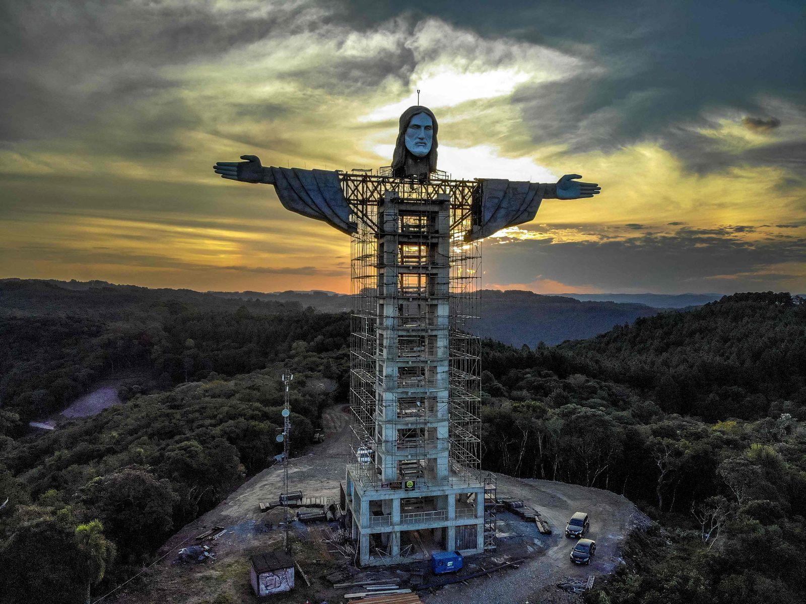 TOPSHOT-BRAZIL-RELIGION-CULTURE-CHRIST-STATUE