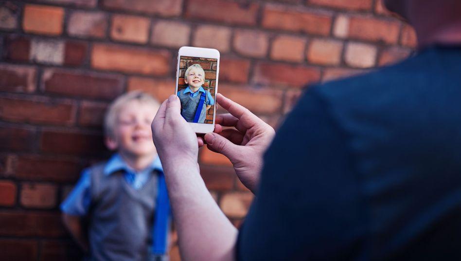 Ein Foto mit dem Smartphone ist schnell gemacht; aber wissen Sie, was später damit passiert?