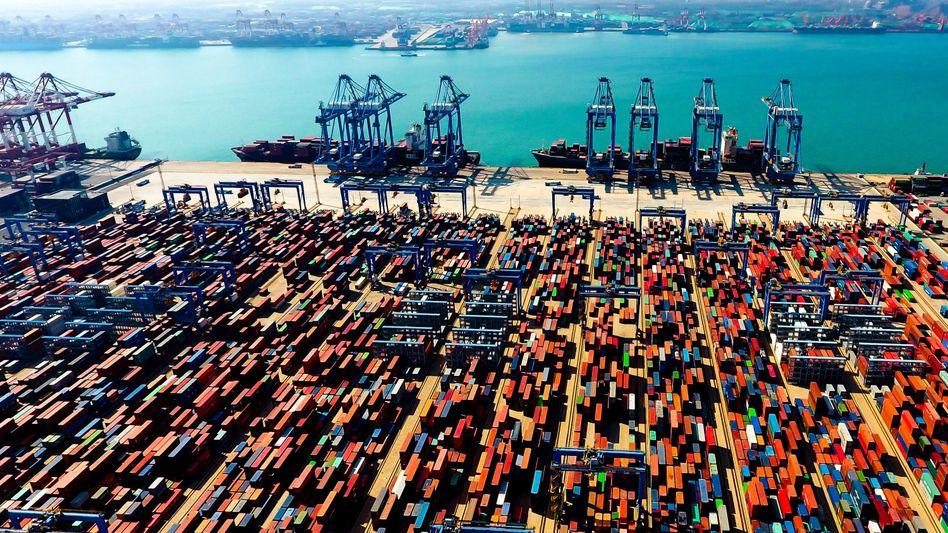 Hafen in der chinesischen Stadt Qingdao