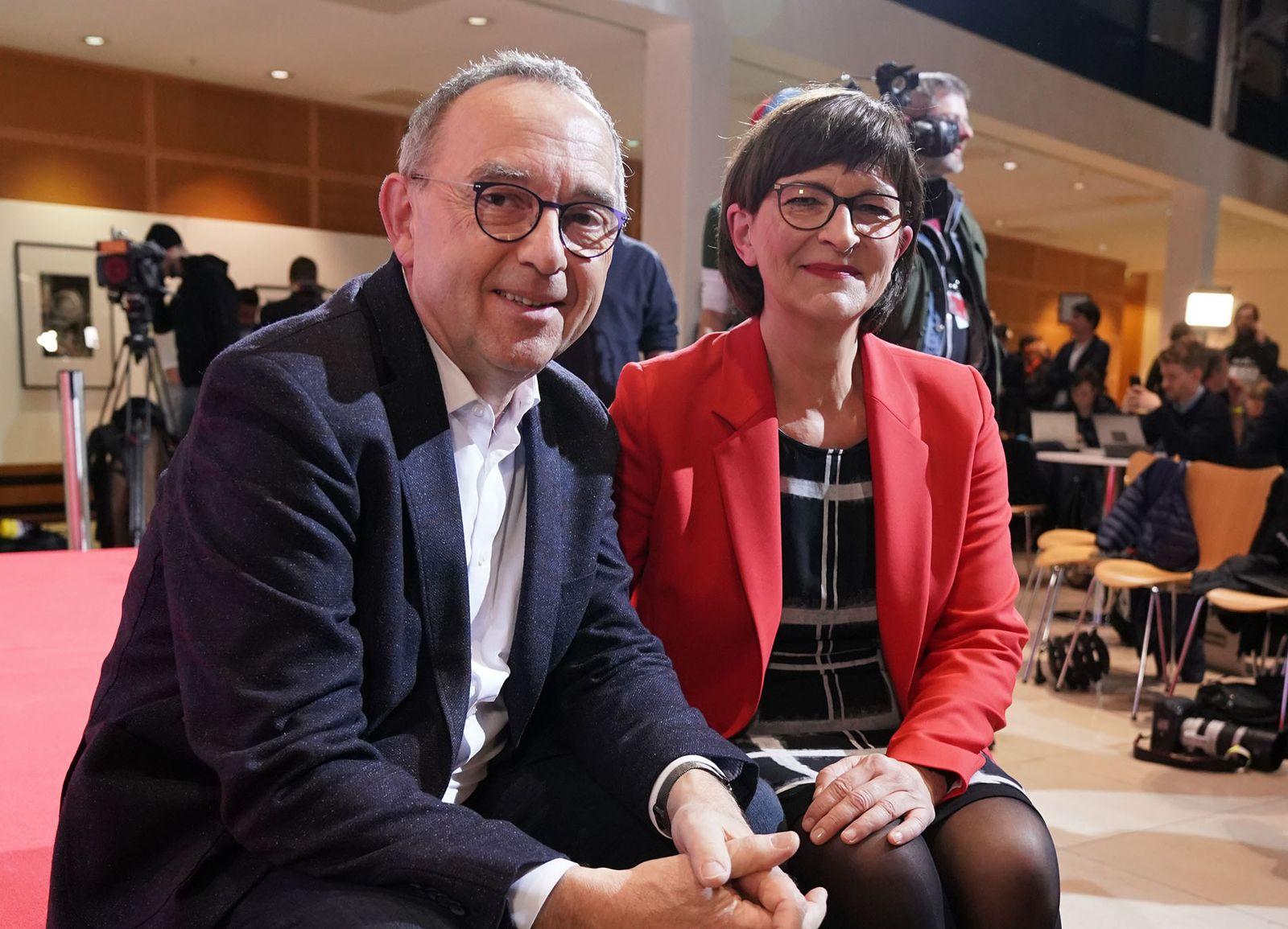 EINMALIGE VERWENDUNG Norbert Walter-Borjans und Saskia Esken EXPIREN AM 03.12.2021