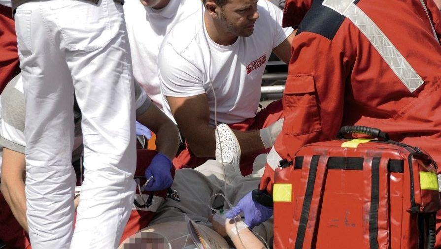Versorgung eines verletzten Fußgängers