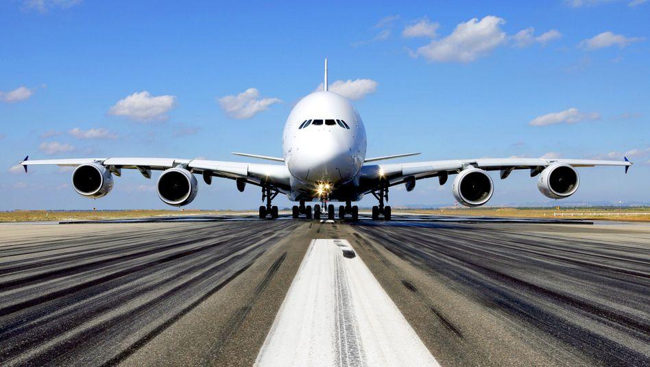 Geparkte A380 von Air France am spanischen Flughafen Teruel