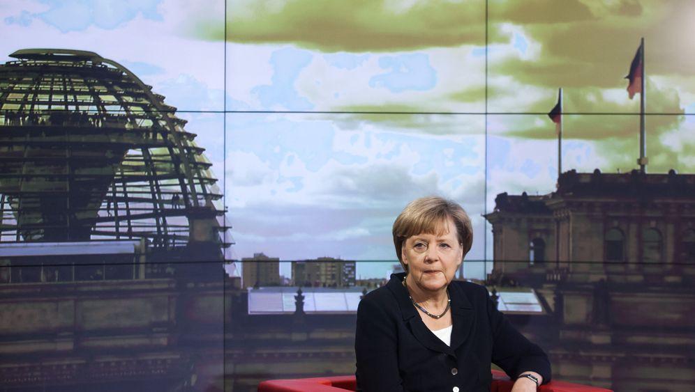 Photo Gallery: Merkel Against Europe