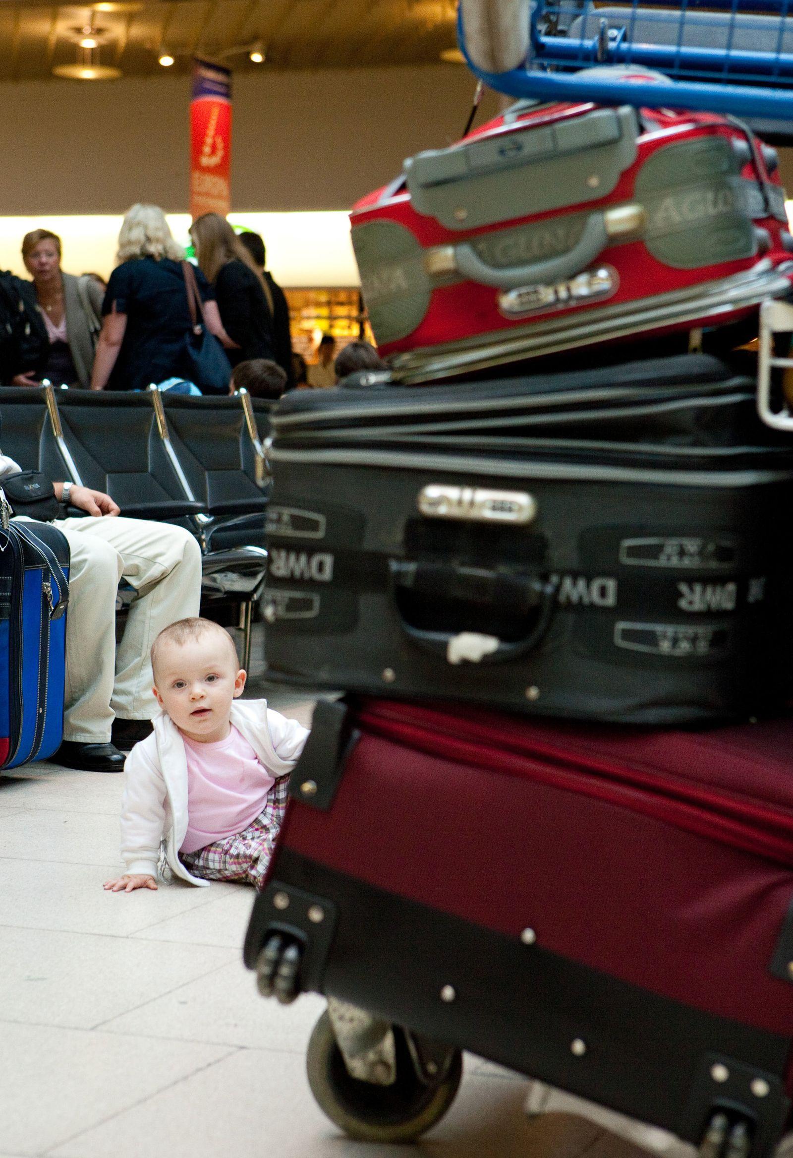 EINMALIGE VERWENDUNG Reisen mit Baby
