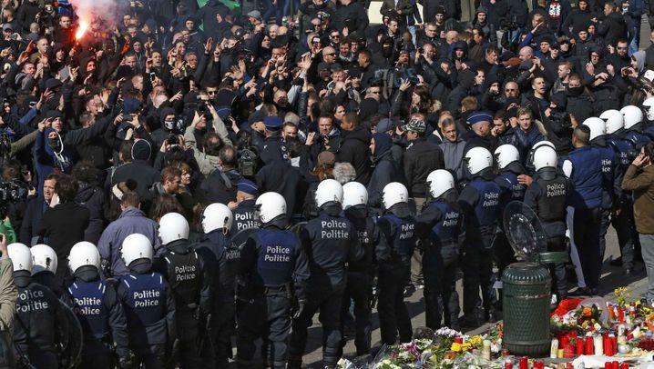 Brüssel: Hooligans stören Trauerfeier