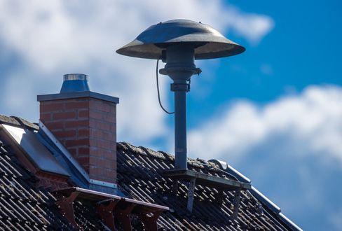 Sirene auf einem Dach in Mecklenburg-Vorpommern