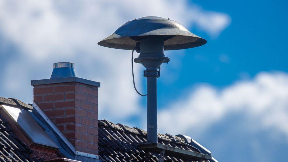 """Sirene auf einem Dach in Mecklenburg-Vorpommern: """"Es wird ungemütlicher"""""""