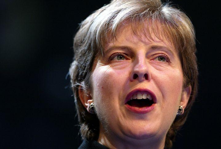 Schon länger her: 2002 wurde May als erste Frau Chairman der Konservativen