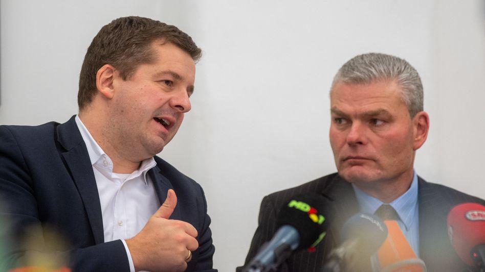 Der sachsen-anhaltische CDU-Generalsekretär Sven Schulze (l.) und der geschasste Landesinnenminister Holger Stahlknecht