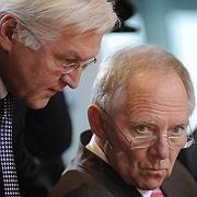 """Steinmeier, Schäuble: """"Versachlichung der hitzigen Debatte"""""""
