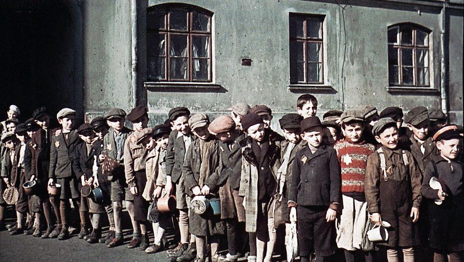 Children in the Lodz ghetto during World War II.