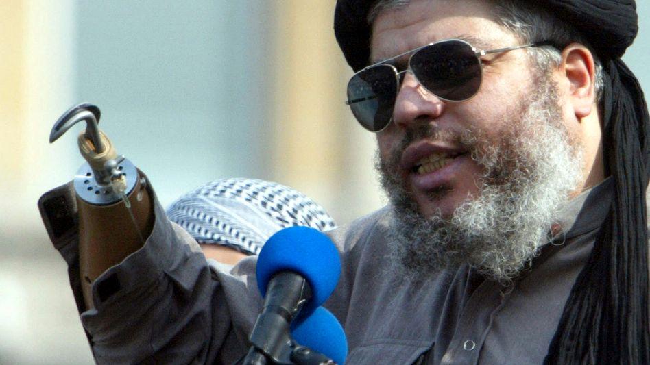 Hassprediger Abu Hamza (Archivbild 2002): Auslieferung in die USA