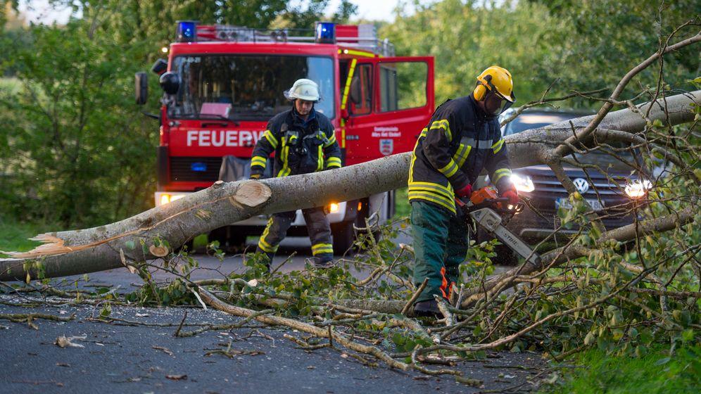 """Tief """"Sebastian"""": Sturm über Norddeutschland"""