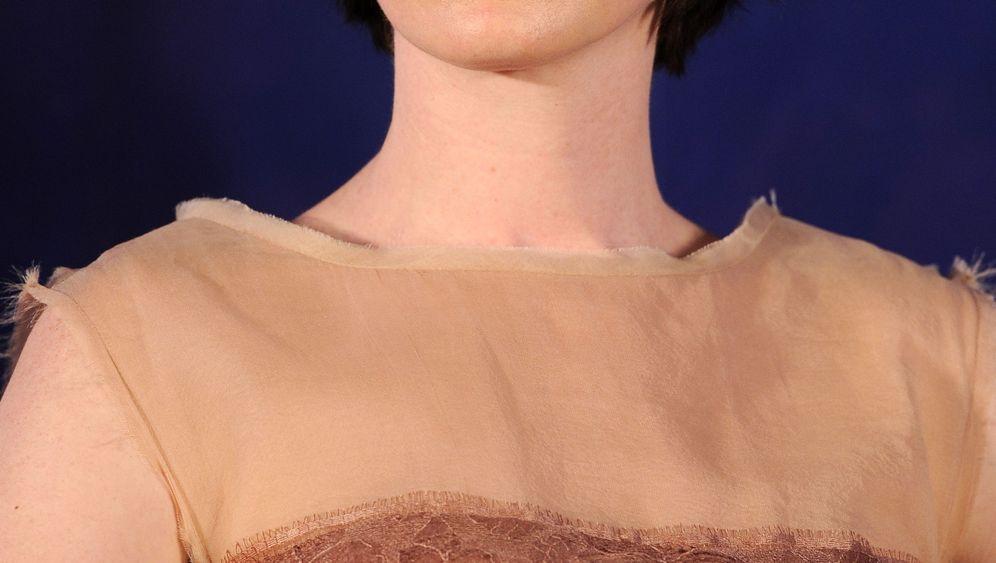 Anne Hathaway: Wenn das Telefon einmal klingelt