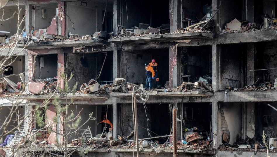 A bombed out building in Diyarbakir, a Kurdish city in southeastern Turkey.