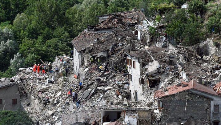 Provinzen Rieti und Ascoli Piceno: Zerstörung nach dem Erdbeben