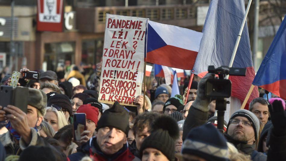 Demonstration gegen den Lockdown auf dem Prager Wenzelsplatz: Die Obrigkeit gilt wenig