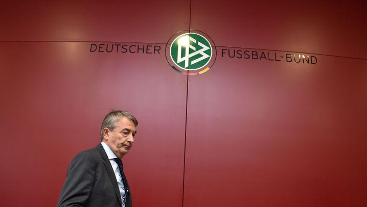 DFB-Präsident tritt zurück: Die Karriere von Wolfgang Niersbach