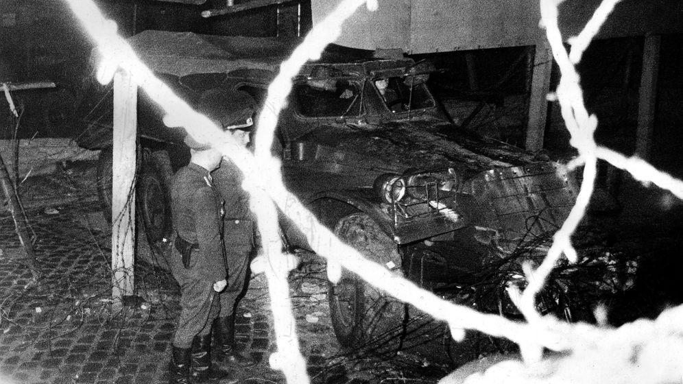 Tollkühne DDR-Flucht: Mit dem Panzer durch den Todesstreifen