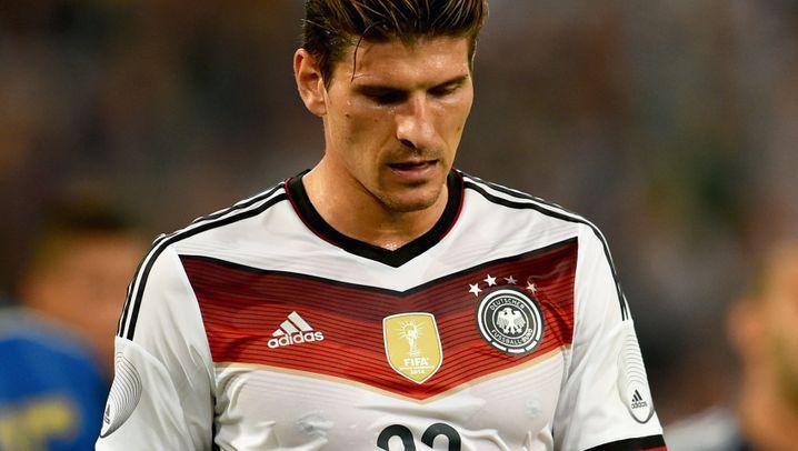 DFB-Stürmer Gomez: Der Ausgepfiffene