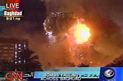 """""""Shock and Awe"""" lautete die Formel des Pentagon für den massiven Bombenangriff auf Bagdad in der Nacht vom Freitag, dem 21. März"""