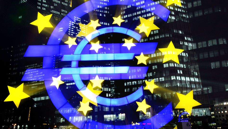 The euro-logo statue in front of the European Central Bank in Frankfurt: No death in sight for Europe's common currency yet.