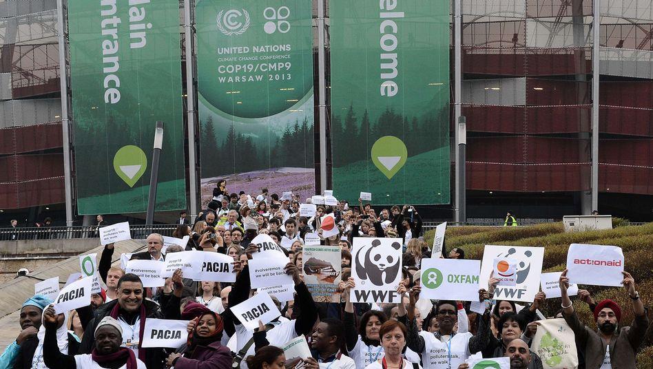 Tagungsgebäude in Warschau: Hunderte Aktivisten verlassen die Hallen