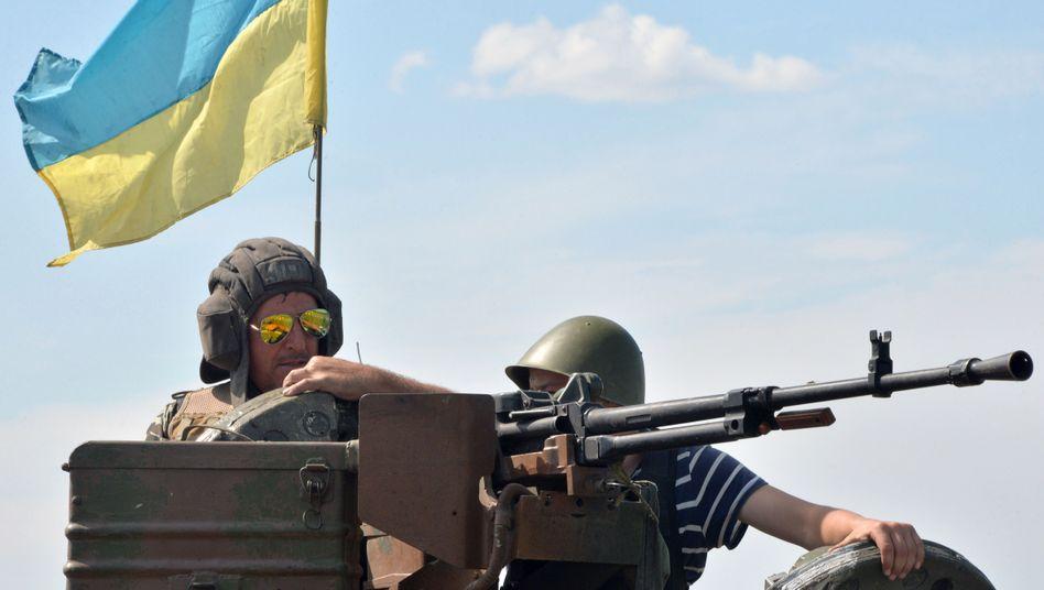 Ukrainische Soldaten nahe Kostjantyniwka: Poroschenko signalisierte Bereitschaft zu einem Waffenstillstand
