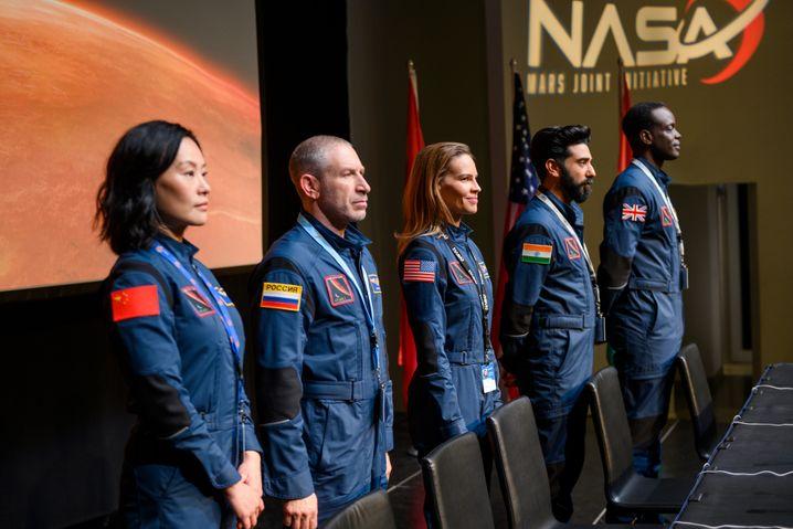 """Mission Mars ist in """"Away"""" ein multilateraler Akt, sogar eine Chinesin und ein Iraner gehören zur Crew"""