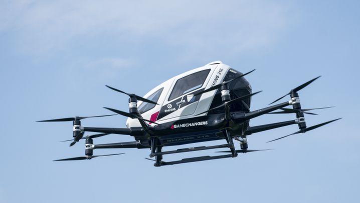 Testflug im Ehang 216: Zehn Meter in die Zukunft