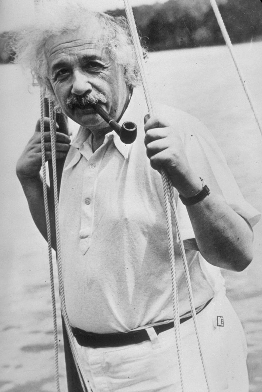 Albert Einstein: Gehirn schlägt Glaskugel?