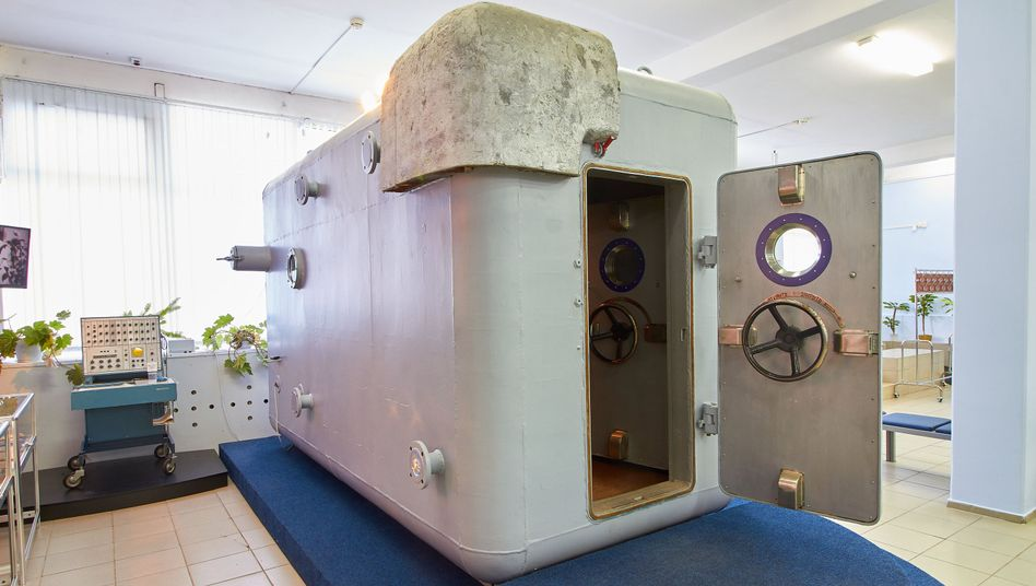 Sowjetische Druckkammer SBK-48