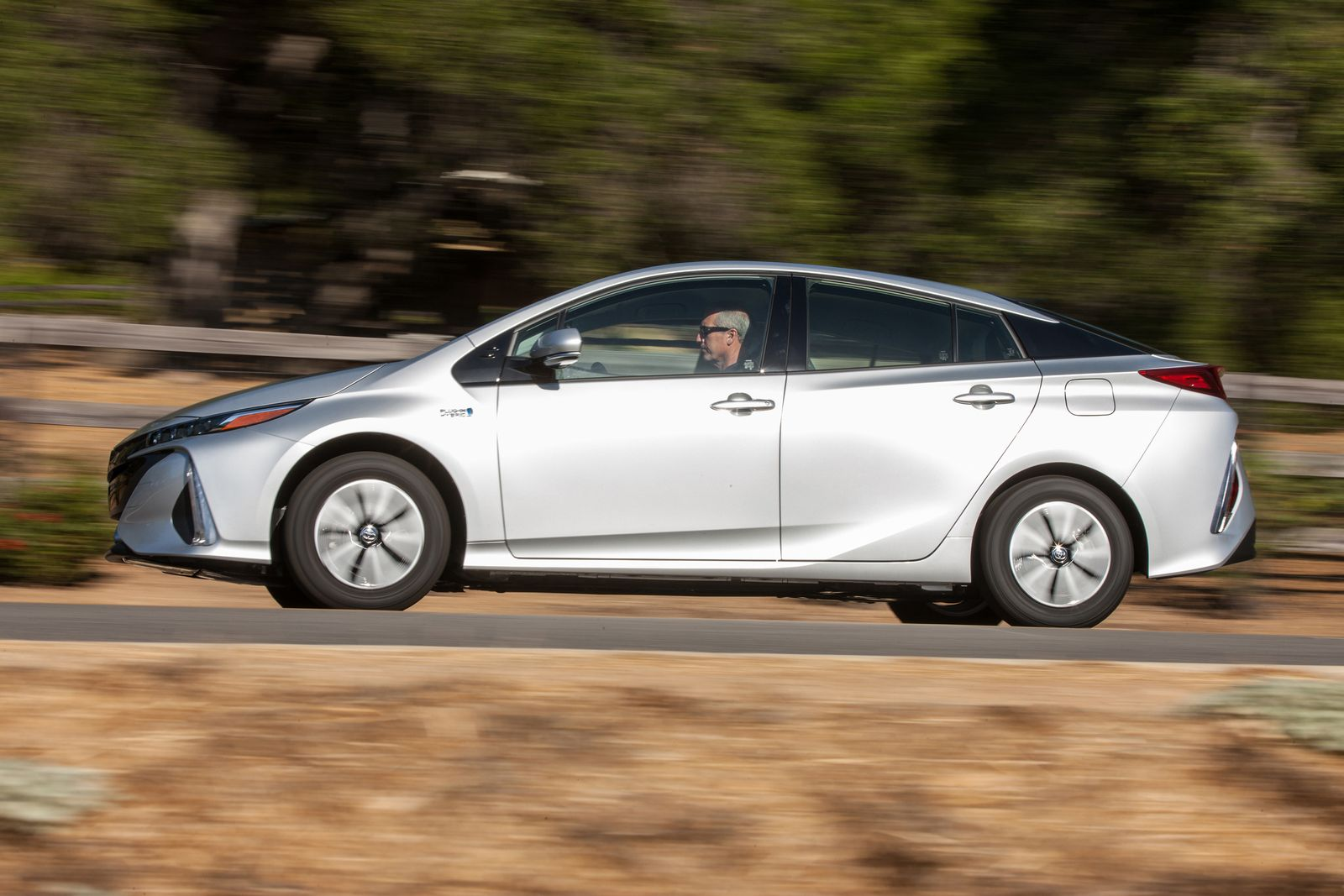 2017 / Toyota Prius Plug-in-Hybrid