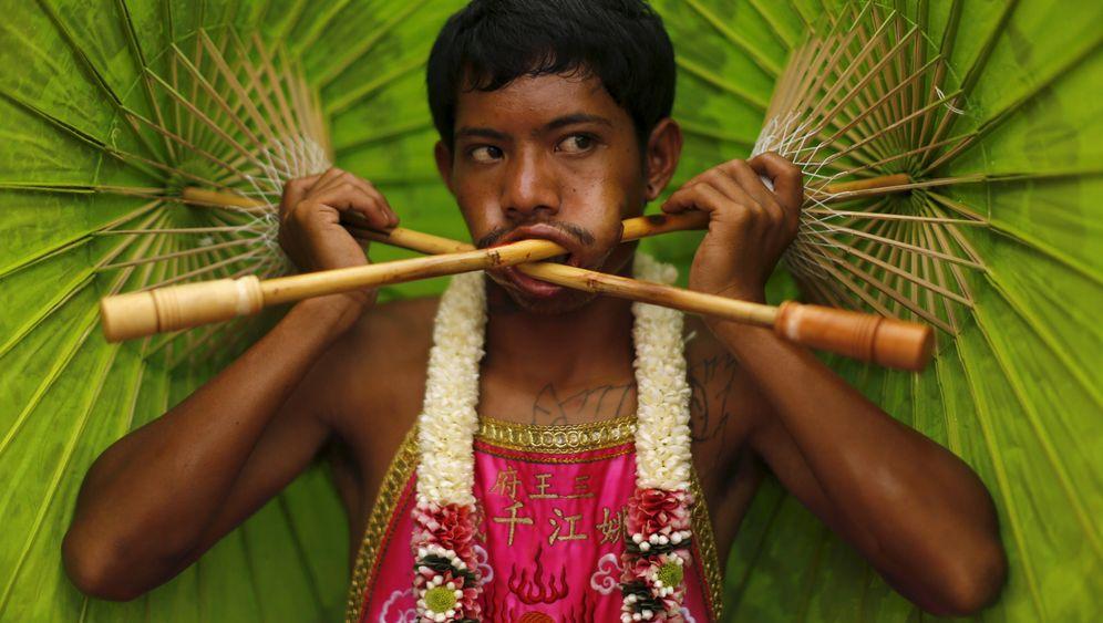 Fest auf Phuket: Axt und Messer im Gesicht