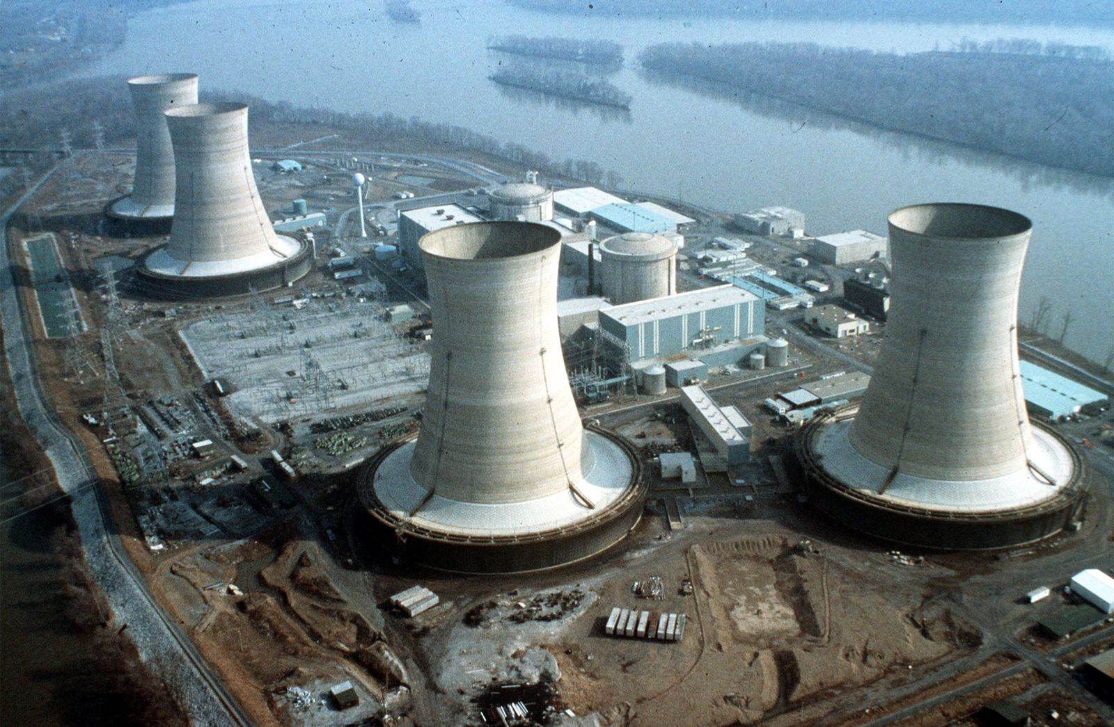 EINMALIGE VERWENDUNG Atomare Wüsten #12