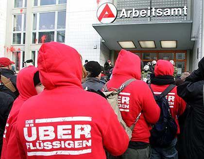 Arbeitslose demonstrieren gegen Hartz IV (in Berlin): Nicht erwerbstätig oder nicht erwerbsmäßig tätig?