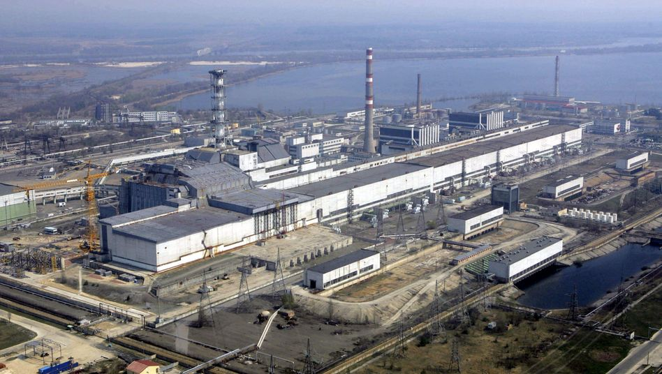 An aerial view of the Chernobyl nuclear power plant (2006 photo).
