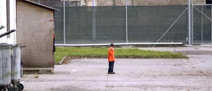 Kind in einer Münchner Asylunterkunft: Lauter kleine Niemande