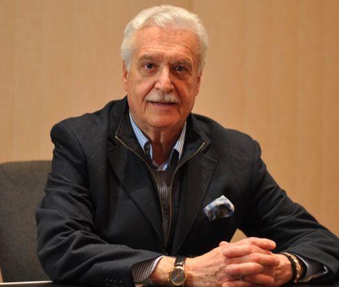 """Bestatter Vittorio Natangeli: """"Ohne Zeremonie direkt zum Grab"""""""