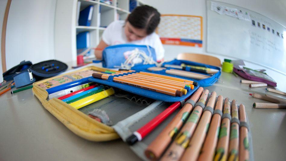 """""""Lernerfolge lassen sich nicht nur an Abschlüssen festmachen"""": Schülerin beim Lernen in eher traditioneller Umgebung (Archivbild)"""