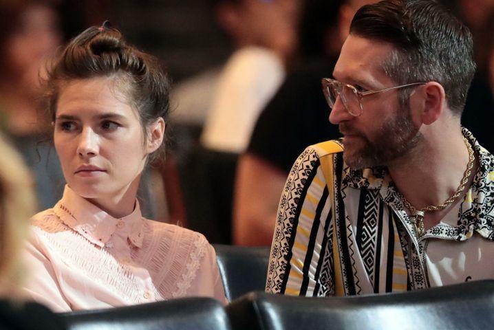 Amanda Knox und Christopher Robinson bei der Konferenz in Modena