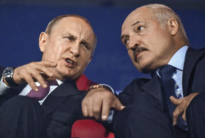 Autocrats Putin and Lukashenko: Is Belarus showing us Russia's future?