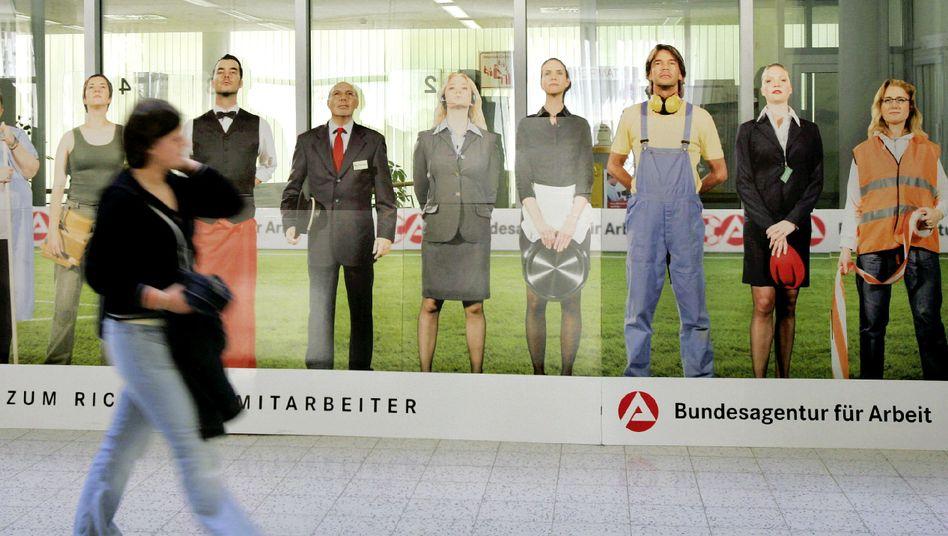 Agentur für Arbeit in Leipzig: Experten fordern Einschnitte im Sozialetat