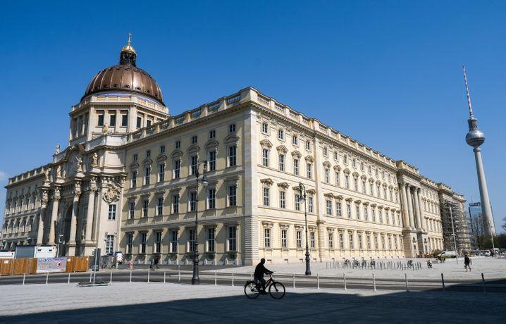 Das rund 680 Millionen Euro teure Zentrum für Kultur, Kunst und Wissenschaft will Mitte Juli erste Türen für Besucherinnen und Besucher öffnen