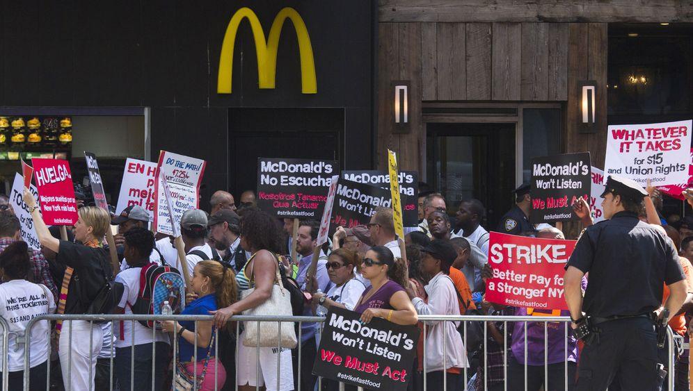 """McDonald's und Co.: Das ist die Bewegung """"Fight for $15"""""""