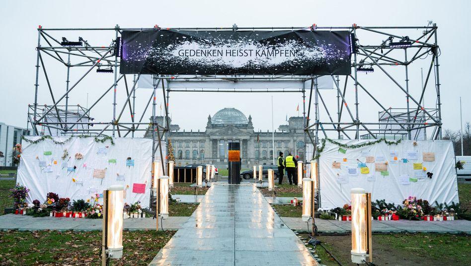 Das Mahnmal, in dem Asche von Holocaust-Opfern eingearbeitet worden sein soll