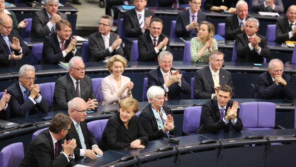 Die Unionsbank im Bundestag: Üppige Nebeneinnahmen in Reihen von CDU und CSU