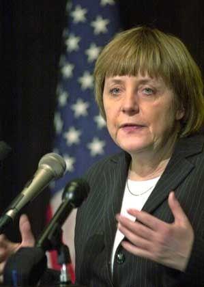 Im Schatten der Macht: Merkel beim USA-Besuch